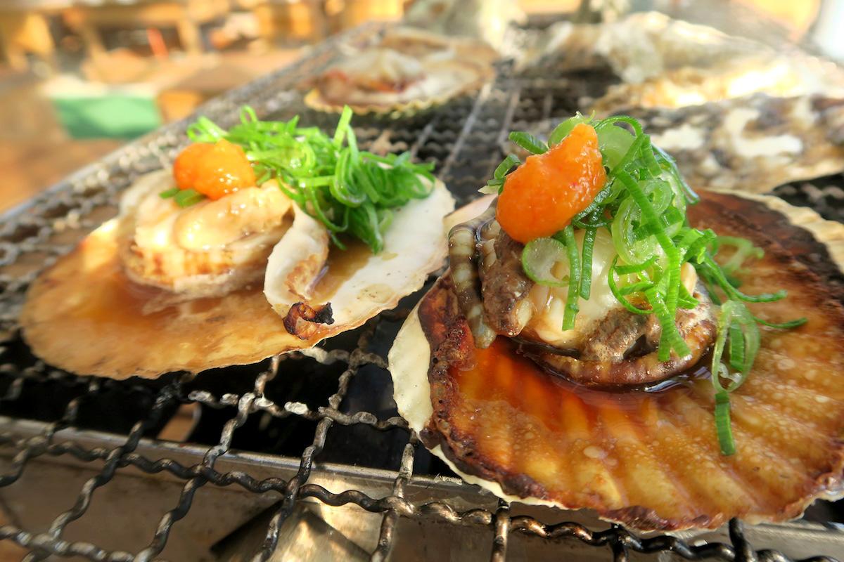 カキおすすめトッピングはコレ!糸島の牡蠣小屋みわちゃんカキ@船越漁港